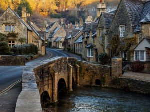 Bath to Castle Combe Taxi Tours